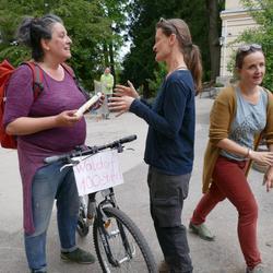 Ankunft der Staffel der Landschule Schönau in der Freien Waldorfschule Wien West