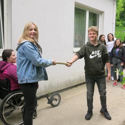 Die Staffel der Waldorfschule Karl Schubert Graz vor dem Start nach Eisenstadt